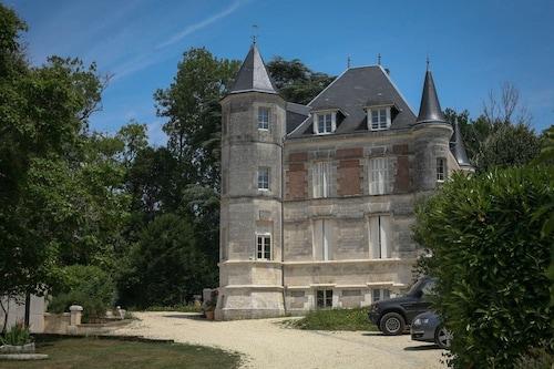Gîte Château Charbontière, Charente