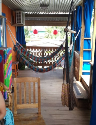Cliff's Hostel, Bocas del Toro