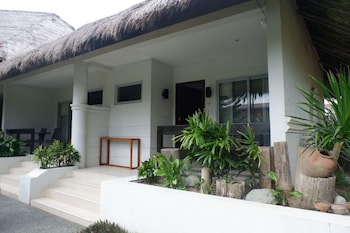 CASITA BY COSTA Front of Property