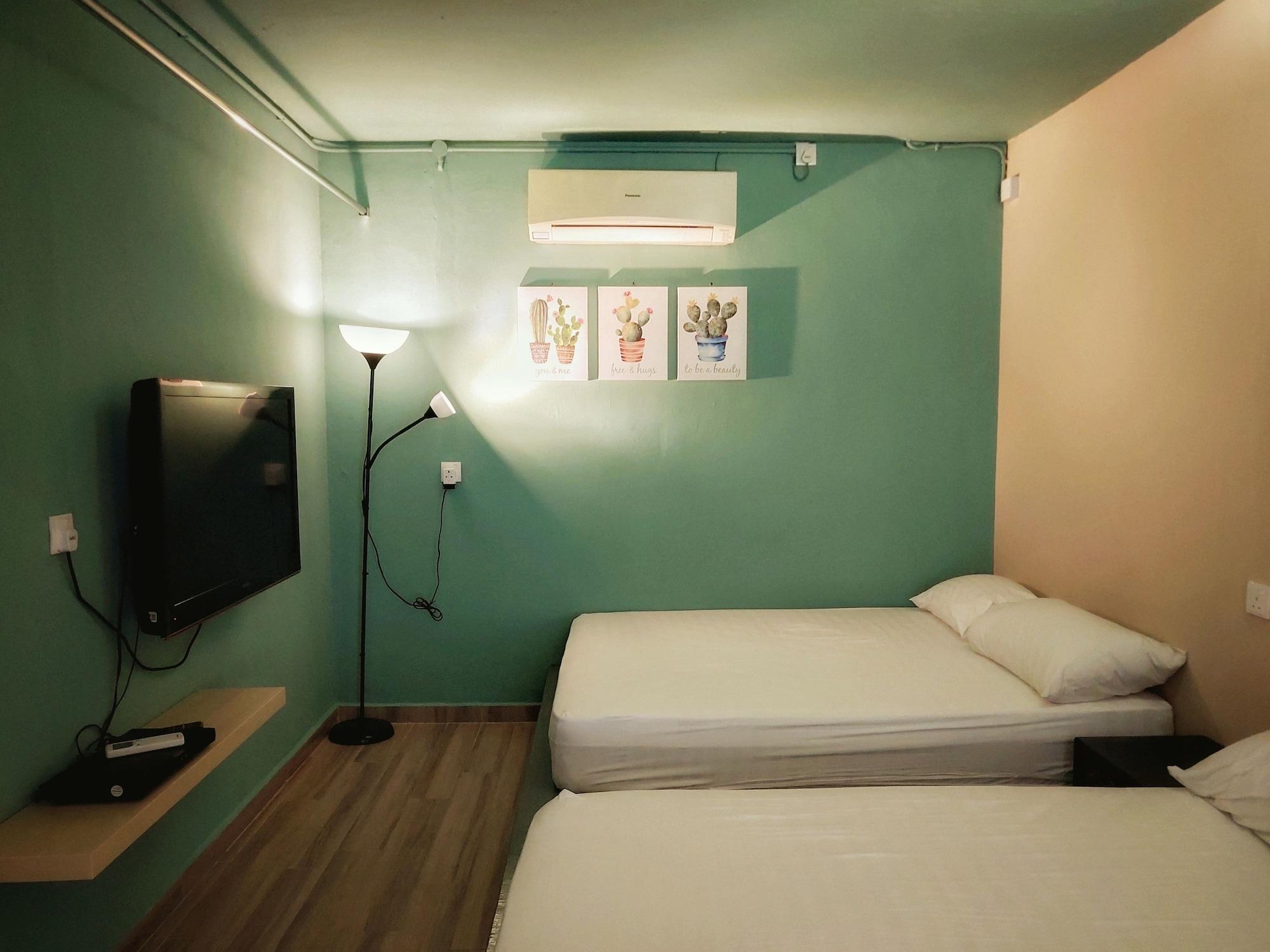Beds In Garden Hostel Sdn Bhd, Kinta
