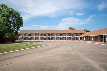 Hotel - Countryside Inn