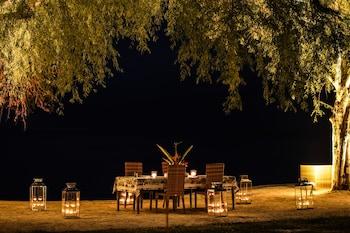 CALA LAIYA Outdoor Dining