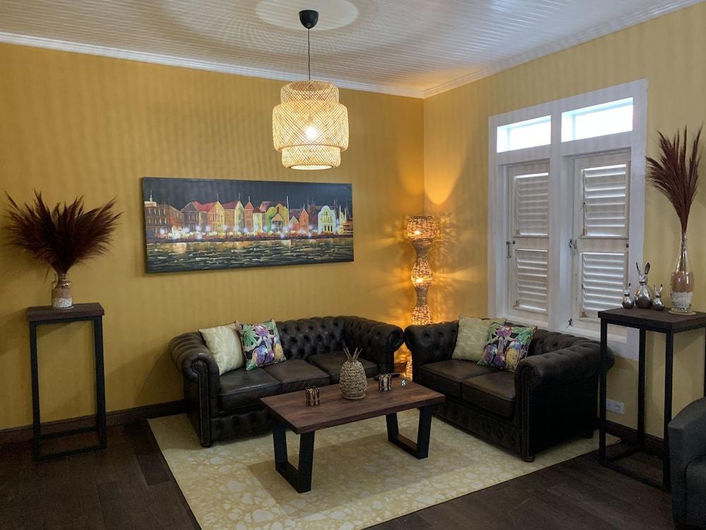 Villa Amalie, Recepción