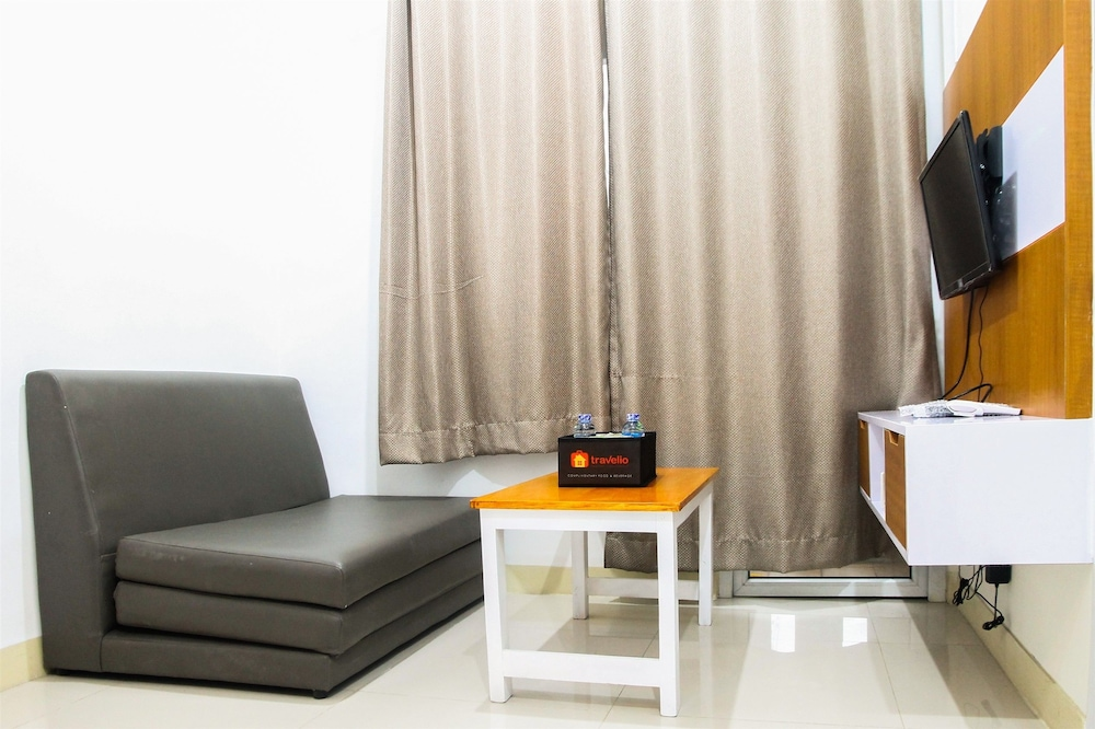 Simply 2BR Green Pramuka City Apartment Direct Access to Mall