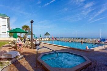 Sunglow Resort 305 - One Bedroom Condo