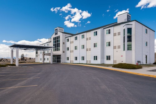 . Red Lion Inn & Suites Butte