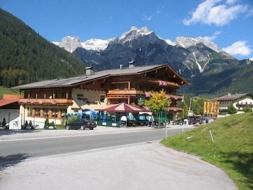 __{offers.Best_flights}__ Hotel Wenger Alpenhof