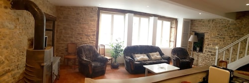House With 3 Bedrooms in La Porcherie, With Enclosed Garden and Wifi, Haute-Vienne