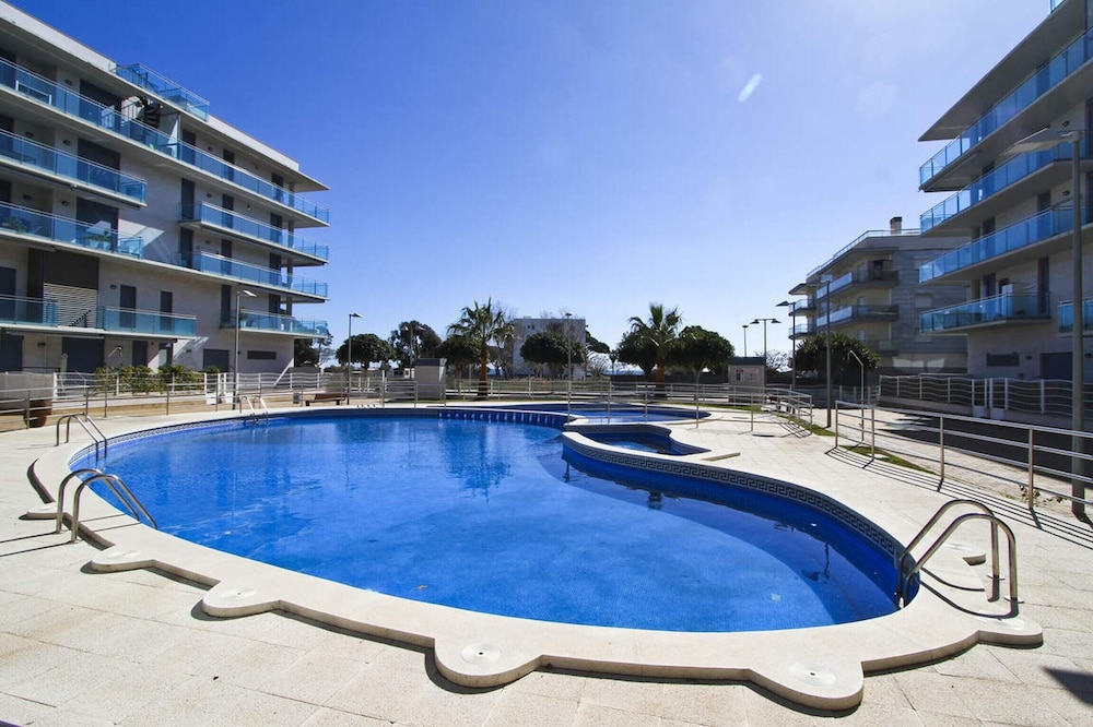 Apartment With 3 Bedrooms in Cambrils, With Wonderful sea View, Pool Access, Enclosed Garden - 500 m