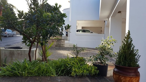 House With 4 Bedrooms in Loulé, With Wonderful sea View, Pool Access a, Loulé