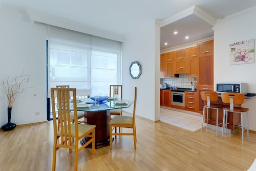 . Central Apartment in St Julian's, Perfect for Families