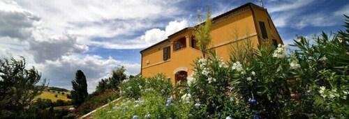 Villa Scuderi, Macerata