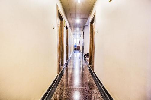 FabHotel Aastha Inn, Patna