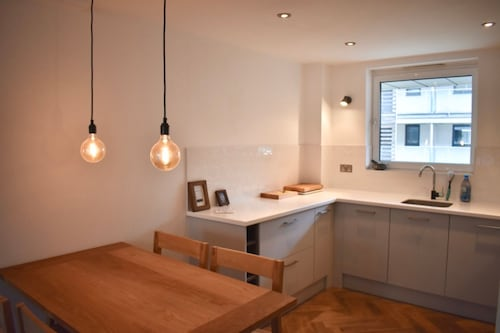 Central 2 Bedroom Modern Apartment, Brighton and Hove