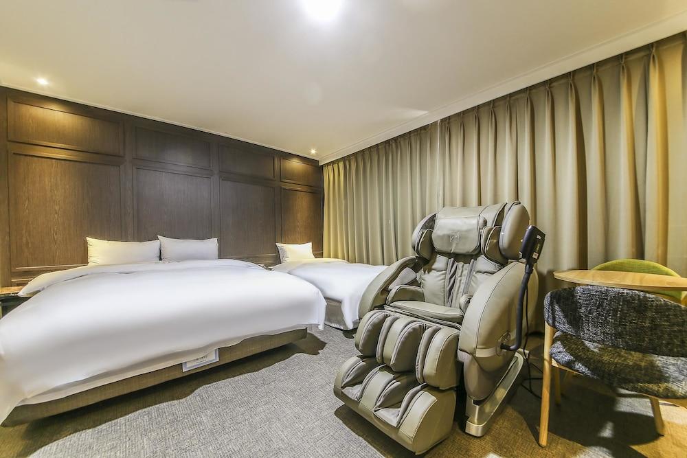 セビアン ホテル