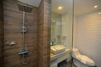 THE ORCHARD HOTEL BAGUIO Bathroom