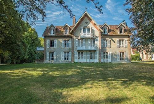 The Good House, Eure-et-Loir