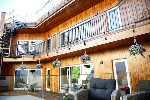 . Donhoff Residence