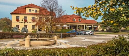 . Hotel Buchlovice