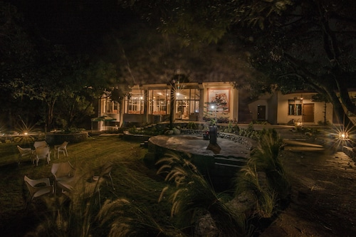 . La Perle River Resorts