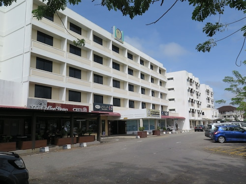 Sea View Resort Hotel & Apartments, Kuala Belait