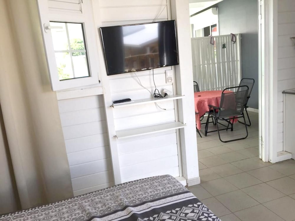 Studio in Baie Mahault, With Private Pool, Furnished Garden and Wifi