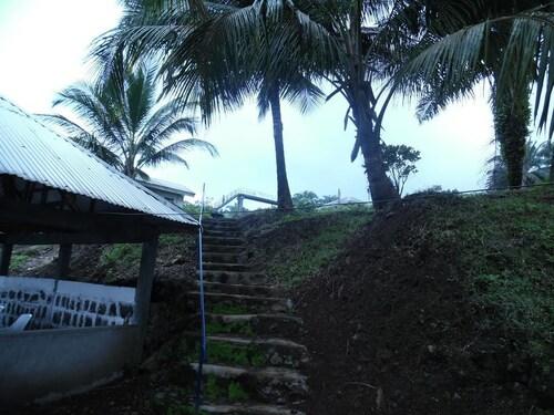 Tsaben Beach Hotel, Fako