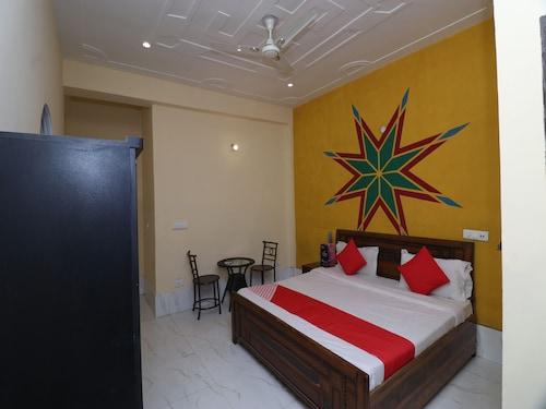 OYO 24108 Bamyan Hotel, Gurgaon