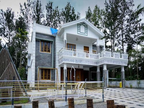 . OYO 16630 Home Cocoa Tree Residency