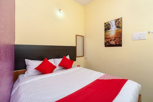 OYO 24898 Senthur Murugan Residency, Kancheepuram