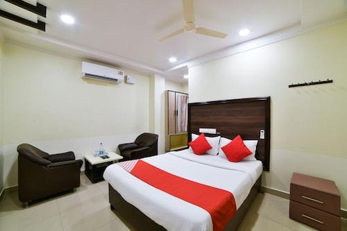 OYO 24288 Surya Teja Residency, Khammam