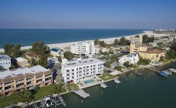 普羅威登海洋海濱套房飯店 Provident Oceana Beachfront Suites