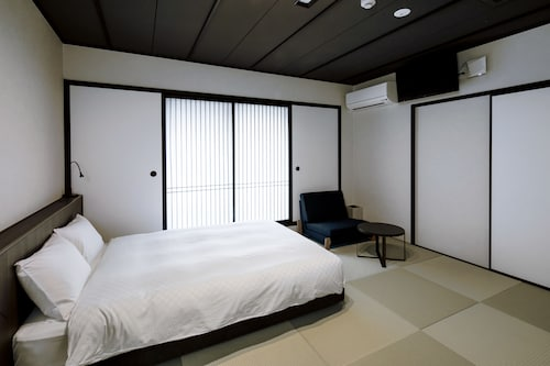 Residential Hotel HARE Kuromon, Osaka