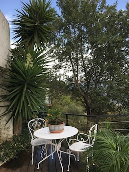 Apartment With one Bedroom in Gattières, With Wonderful sea View, Priv
