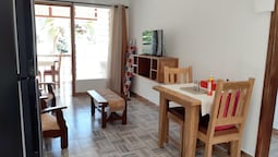 Apartment With one Bedroom in Baie Sainte Anne, With Wonderful sea View, Enclosed Garden and Wifi - 5 km From the Beach