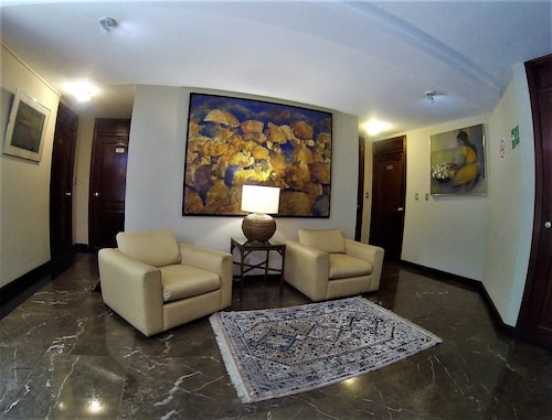 Apartment GT013, ZONA 10