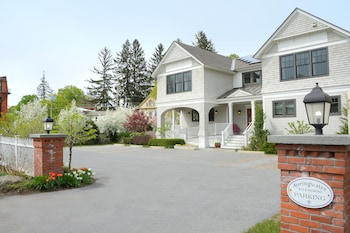 Hotel - The Springwater Bed and Breakfast