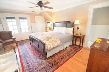 Room, 1 King Bed, Non Smoking (Polaris Spring Room)