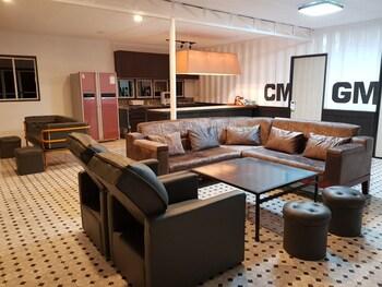 HOTEL SNOW ANGELES Living Area