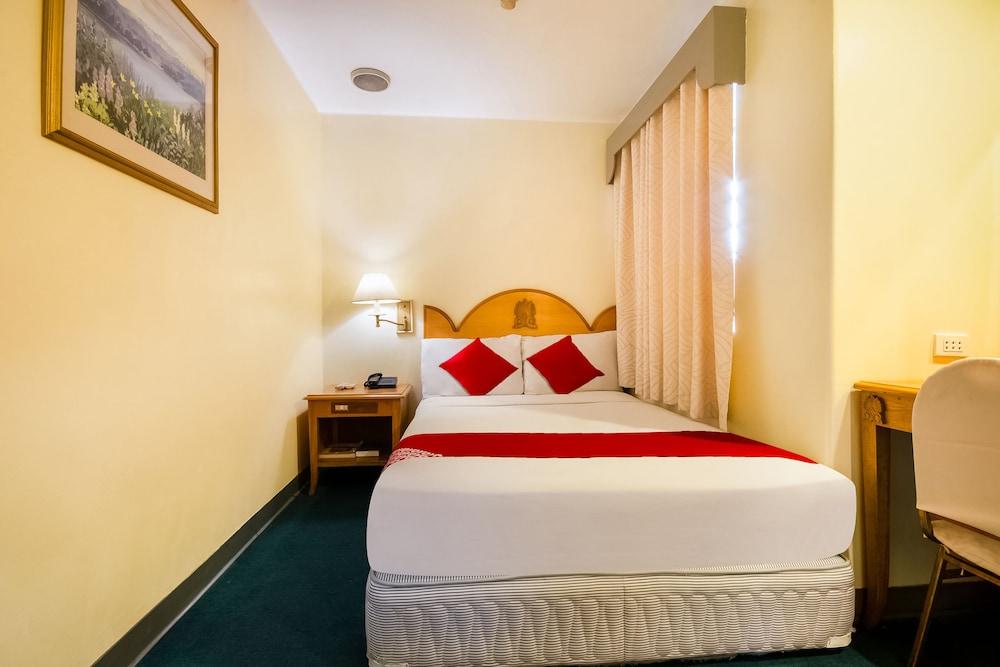 OYO 227 パラディウム スイーツ ホテル