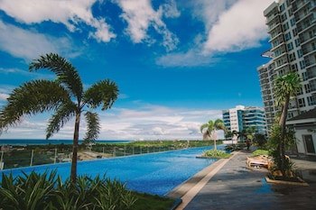 MACTAN NEWTOWN CONDOTEL Featured Image