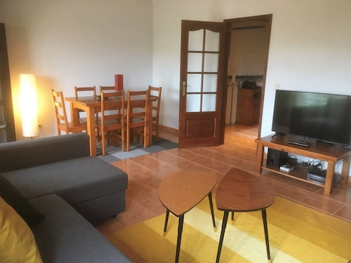 Best House 25 - Charming Apartment Great Location, Peniche