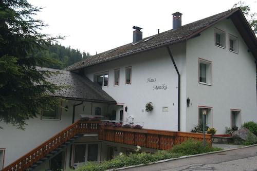 . Haus Monika