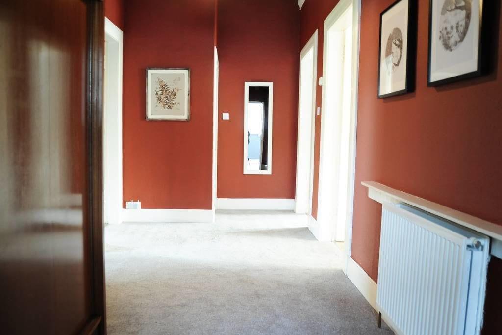 Glasgow Road Apartment, Renfrewshire