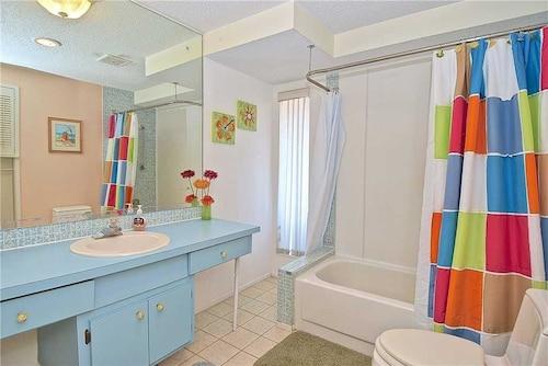 Falcon Beach - Three Bedroom Home, Sarasota