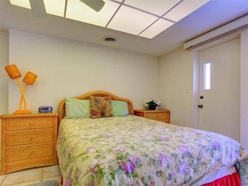Harbor Paradise Home - Four Bedroom Home, Sarasota
