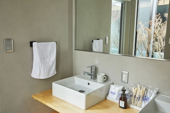 HANARE KYOTO HACHIJOGUCHI Bathroom Sink