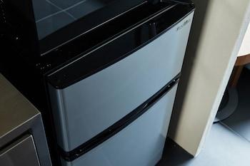 HANARE KYOTO HACHIJOGUCHI Mini-Refrigerator