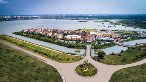 . Mayfair Lake Resort