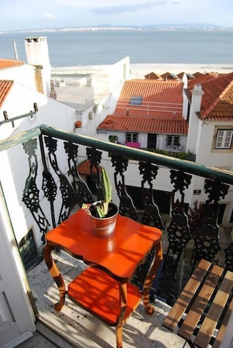 RH Vigário 2 Alfama View Apartment, Lisboa